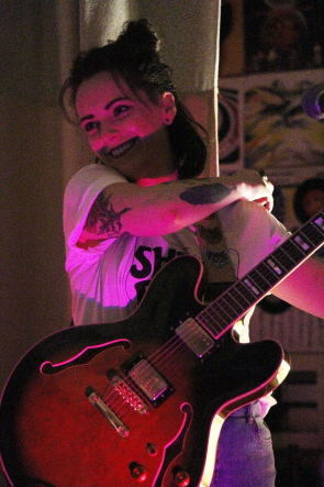 Kaely Cormack of the Shiverettes at the Owl Acoustic lounge, April 19. Photo by Richard Amery